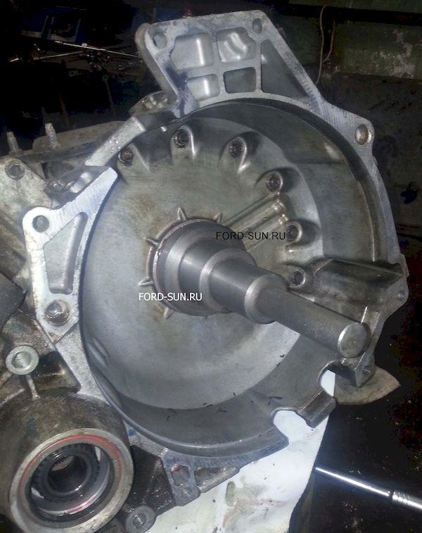 Установка сальника гидротрансформатора специальной оправкой. АКПП CD4E.